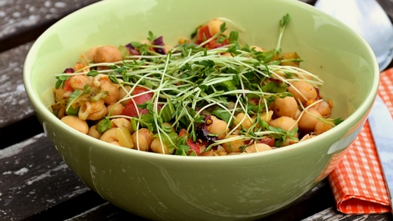 2 Easy Ways to Cook Chickpeas Quickly